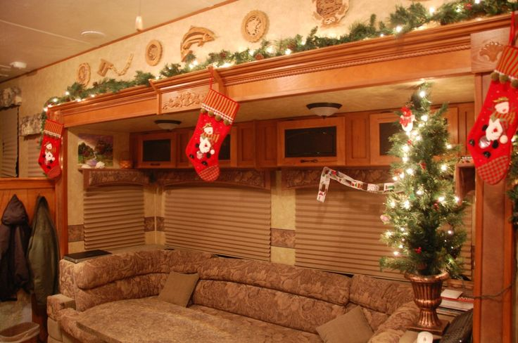 5 creative ways to celebrate christmas in your rv mount comfort rv